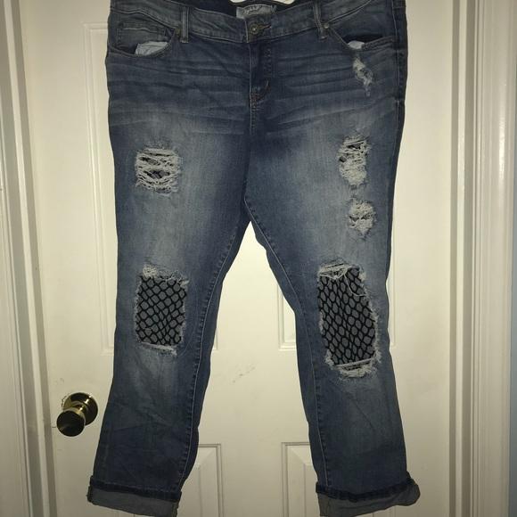 2349592fee1 Torrid 18 Short fish-net ripped jeans. M 5b04bf849cc7efc6c7d980e4